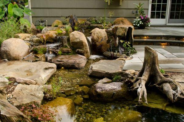 Coole Wasser Garten Ideen Stein Teich Wasserfall