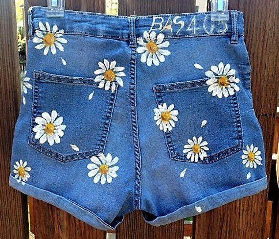 Pantalones Cortos De Margarita De Damas Pintados A Mano A Medida Para Sus Propios Pantalones Cortos Cus Cort Daisy Shorts Painted Clothes Diy Denim Diy