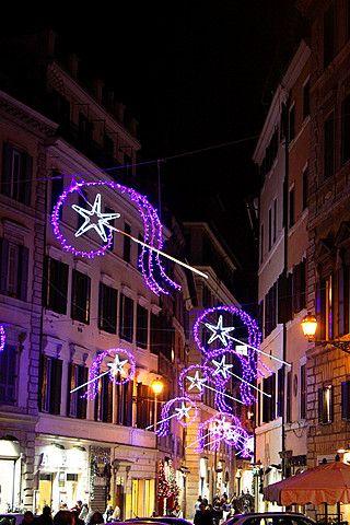 Roma, Italia 9 de diciembre de 2013 luces de Navidad en el centro de Roma, Italia