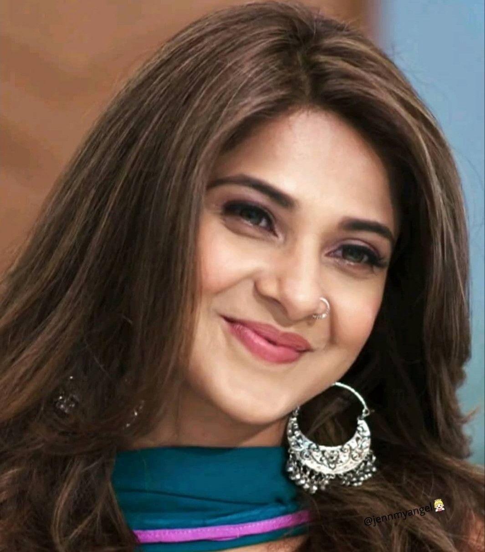 Jennifer Winget Follow Me For More Navshin Shaikh Jennifer Winget Beautiful Celebrities Beautiful Face