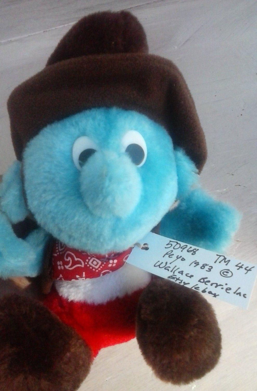 Singing Teddy Bear Osito Singing Christmas Songs Vintage Peek A Boo Holidays Santa hat.