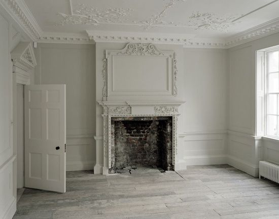 White crown molding and an old fireplace h o m e e t c