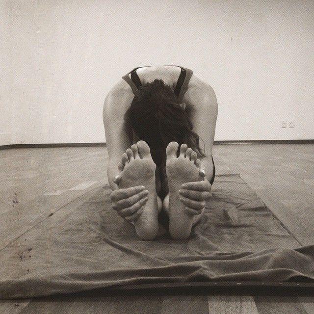 """""""1 stk svedig kvinde..  1 times hot yoga hos yndlingslæren @yoga.passion - elsker det!  Overvejer du at starte til yoga, så hop forbi bloggen idag, skriver gode grunde til at starte!  carolinethorsfelt.dk """" Photo taken by @carolinethorsfelt on Instagram"""