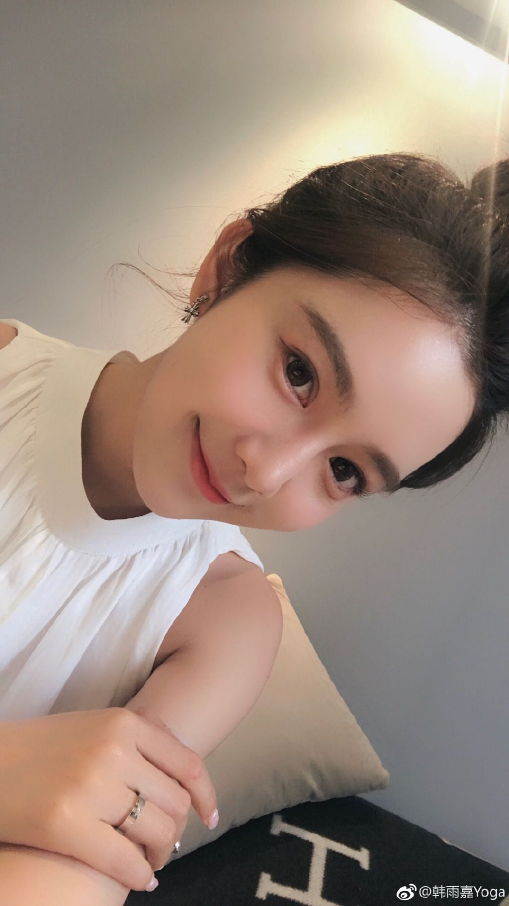 American Makeup Vs Korean natural makeup, American