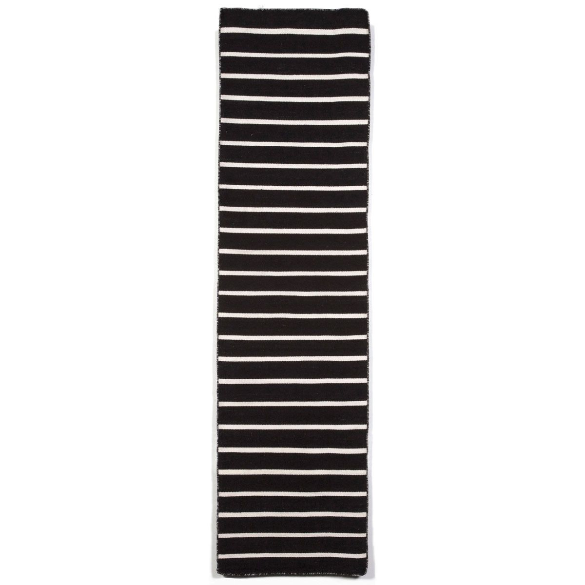 Maybe For Stair Runner Simple Stripe Patterns Combine With Sophisticated Shades Of Black And White I Indoor Outdoor Area Rugs Indoor Outdoor Rugs Liora Manne