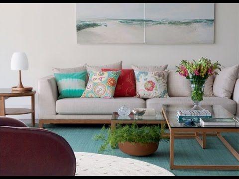 Dicas para decorar a sala com flores e adornos