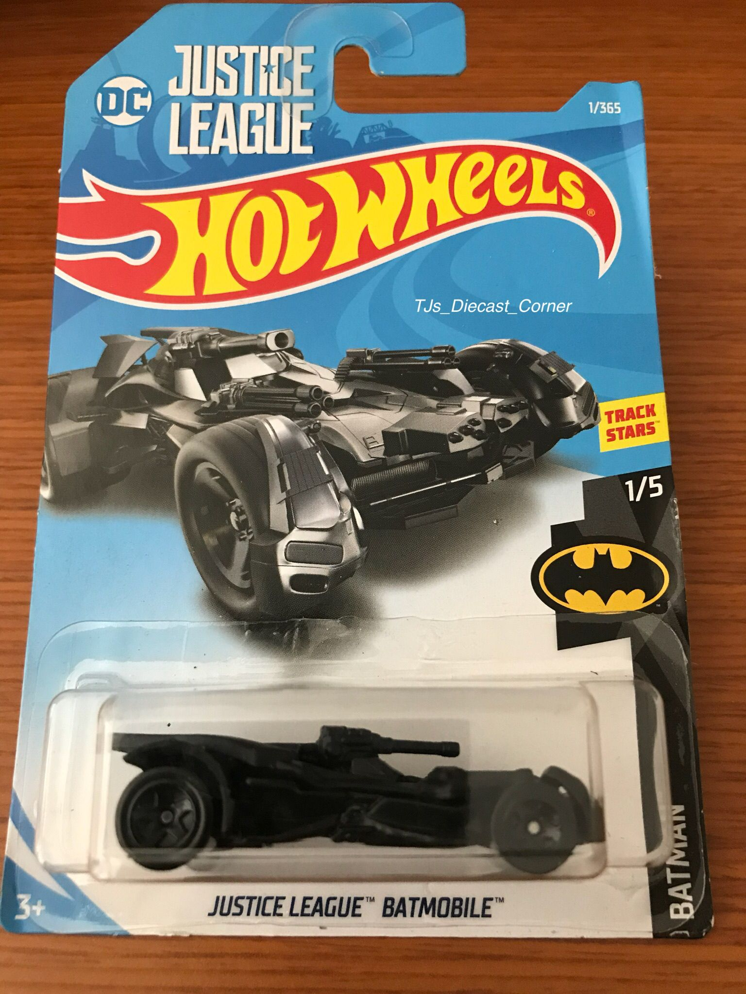 Hot Wheels 2019-Batmobile-Batman 17-nuevo en caja original