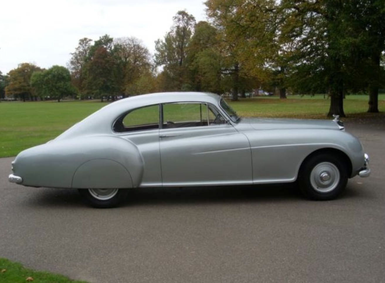 Continental Bentley dealership, Bentley, Classic cars