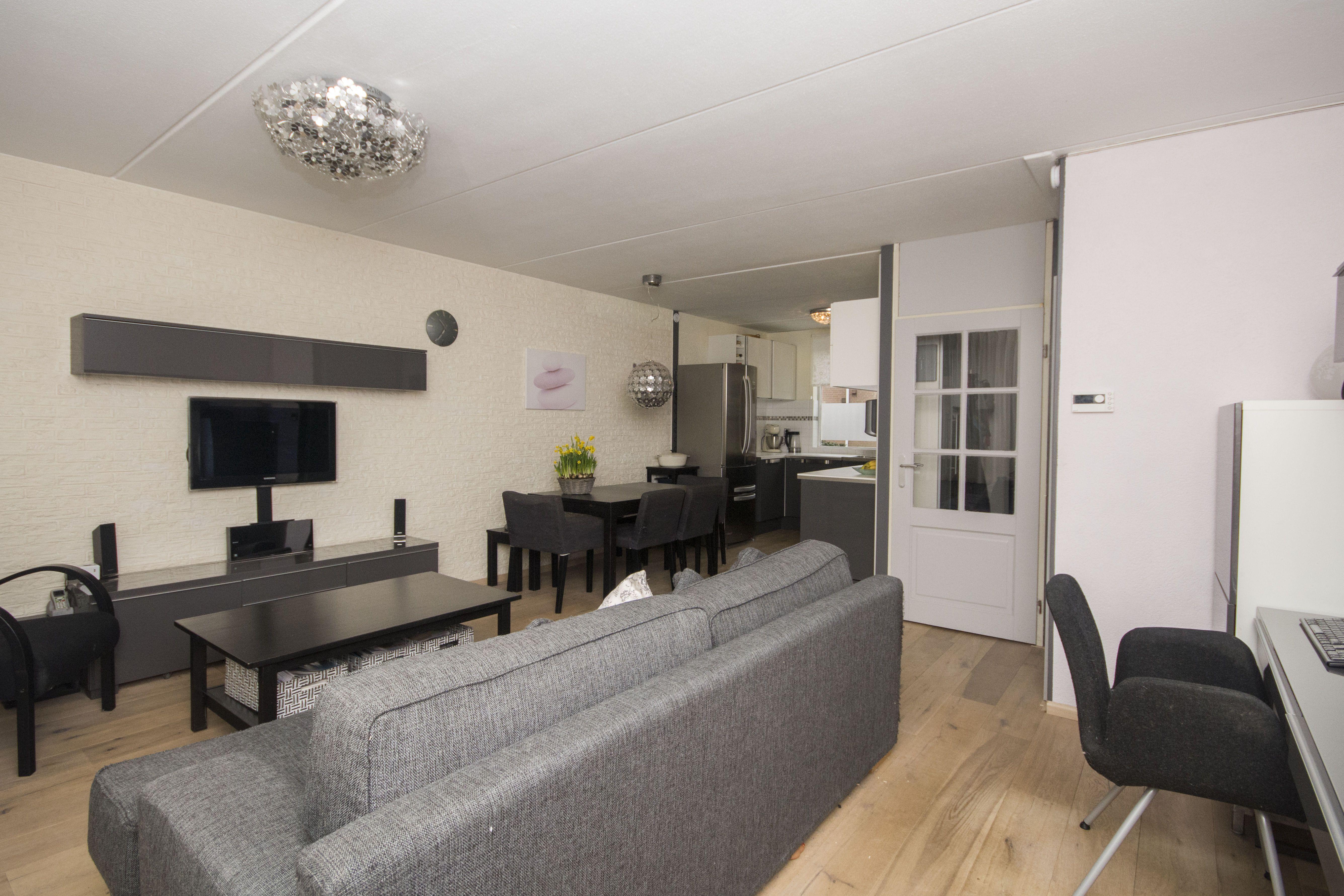 Interieur Woonkamer Eiken : Woonkamer met licht eiken parket vloer woonkamer
