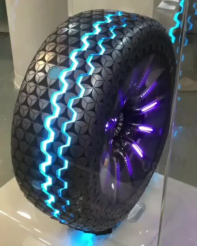 The reinvention of the tire and the wheel? - Video: @tugrazshotz . . . . .