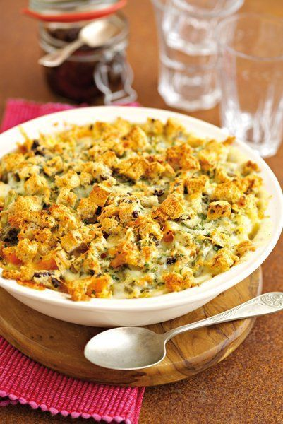 Oven-roasted squash and asparagus macaroni. This is totally delicious! I managed to find a vegan garlic and herb tear and share bread which worked wonderfully on top. It comes our rather like a crouton topped pasta bake. yummy aint the word! #tearandsharebread Oven-roasted squash and asparagus macaroni. This is totally delicious! I managed to find a vegan garlic and herb tear and share bread which worked wonderfully on top. It comes our rather like a crouton topped pasta bake. yummy aint the wor #tearandsharebread