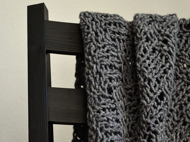 diy anleitung tagesdecke im schachbrettmuster stricken via all about knitting. Black Bedroom Furniture Sets. Home Design Ideas