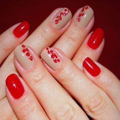 Elegantes Unas Combinadas En Dos Colores Rojo Y Beige Las Unas De