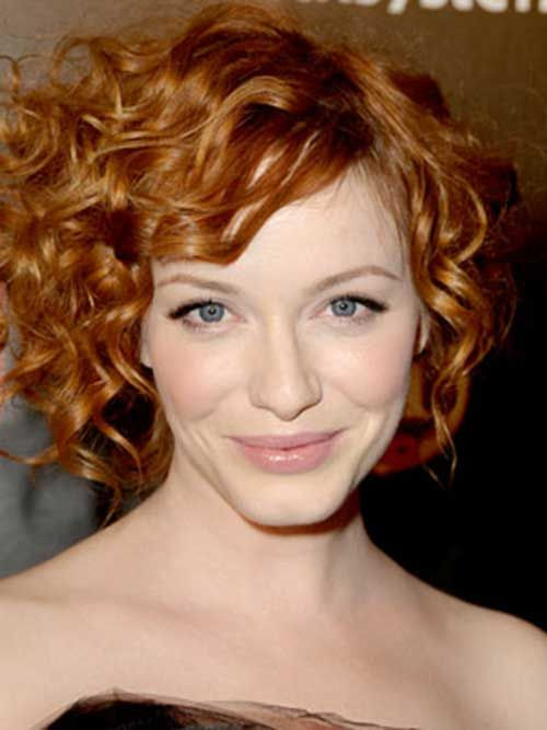 Short Curly Hairstyles Looks Gorgeous And Voluminous It Looks Better On People With Thin Hair Text Oval Face Hairstyles Red Curly Hair Haircuts For Curly Hair
