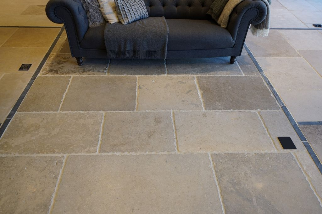 Villiers Grey Heavy Tumbled Flagstone Flooring Looks Fantastic In A