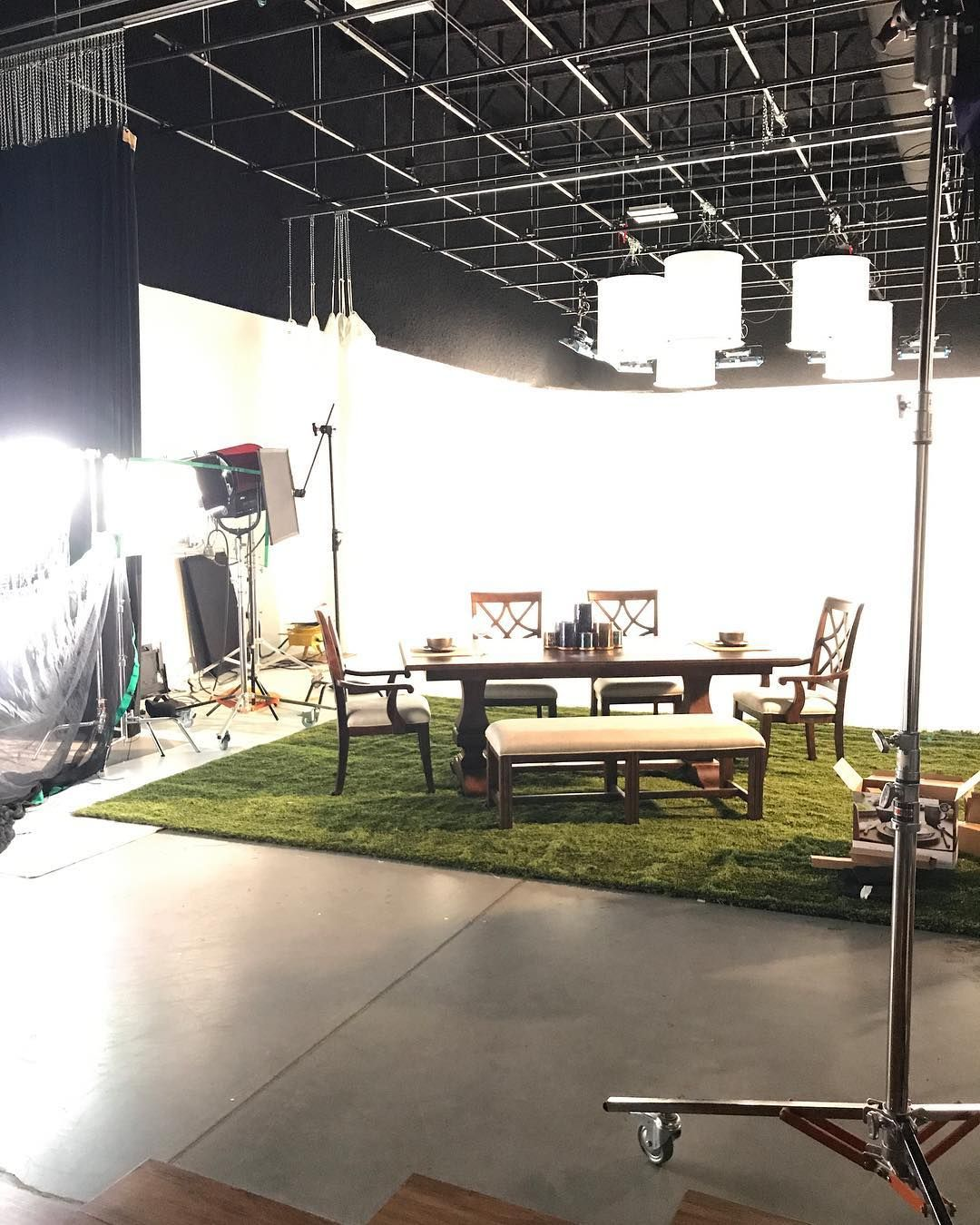 Doing A Fun Furniture Shoot Today Onset Inhouse Studio Photoshoot Waukesha Wisconsin Workfun Diningset Steinhafels Relax