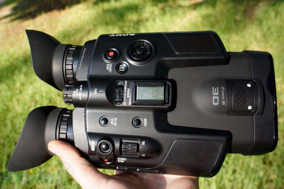 Sony DEV-5 Digital Recording Binoculars hands-on (video)