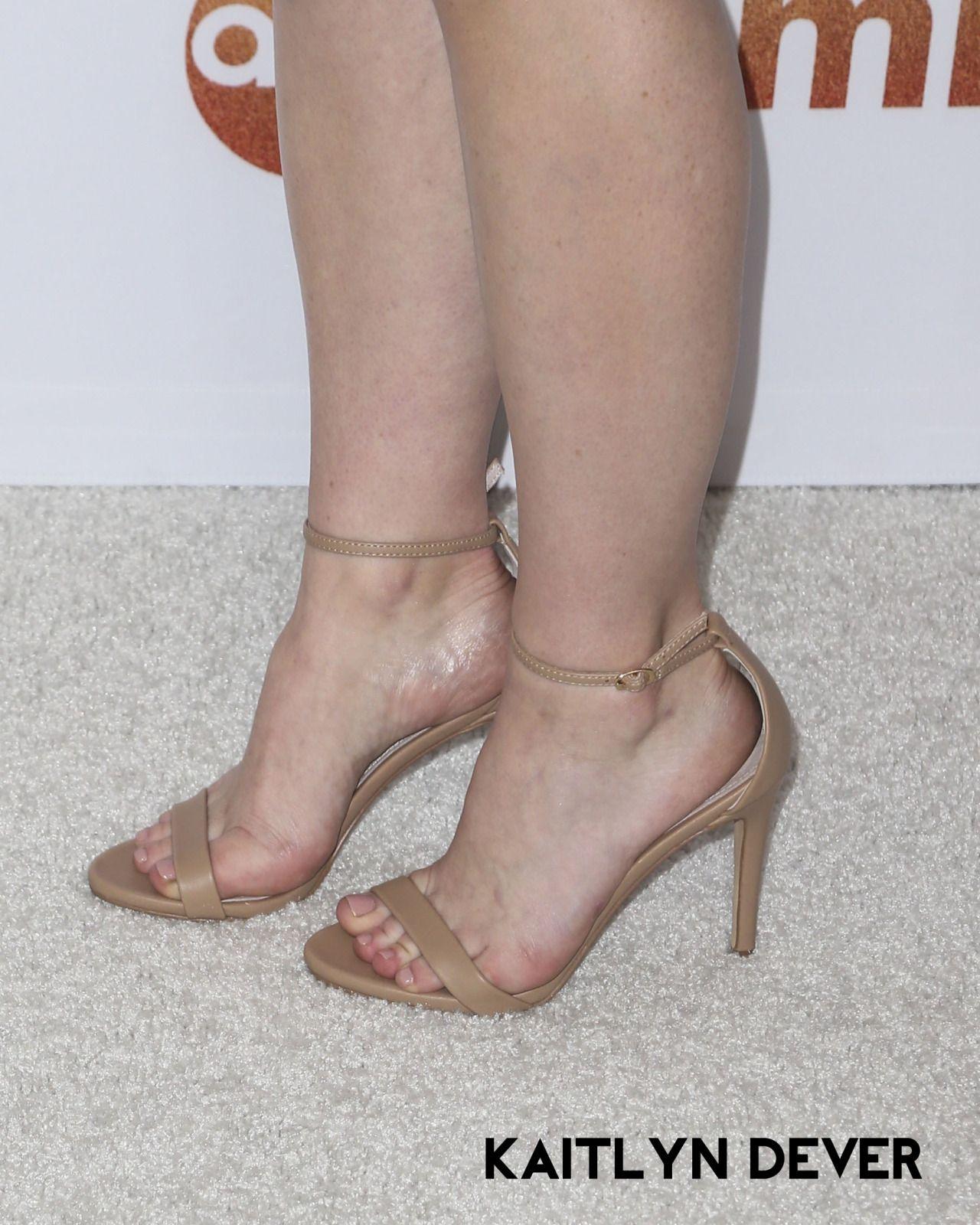 Pin On Celebrities Models Feet
