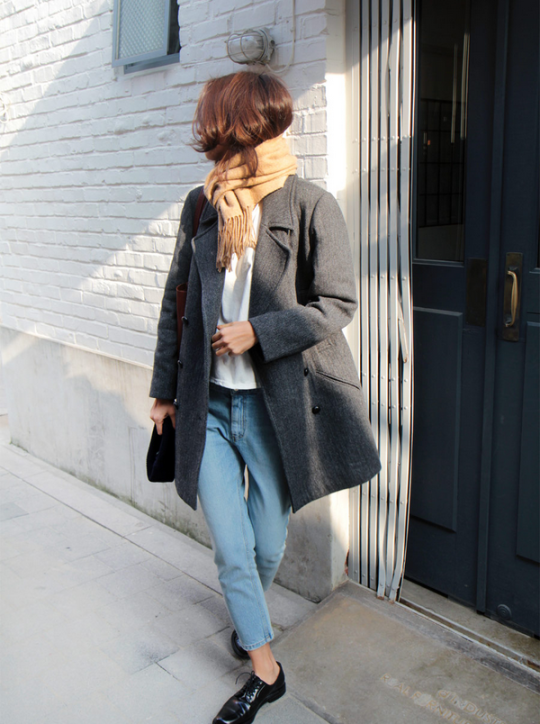 scarf, grey coat, white top, cropped jeans & oxfords #style #fashion #classic