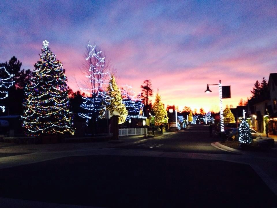 Big Bear Lake Christmas.Big Bear S Village Decorated For The Holidays Travel