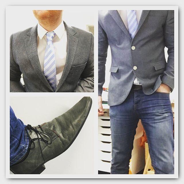 #mens #mensfashion #menswear #mensblazer #blazer #blazers #shirt #shirtandtie #whiteshirt #tie #necktie #bluetie #stripetie #blazerandjeans #smartcasual #greyshoes #mensshoes #shoedetail #laceups #buttons #buttondetail #dapper #fashion #style #myownstyle