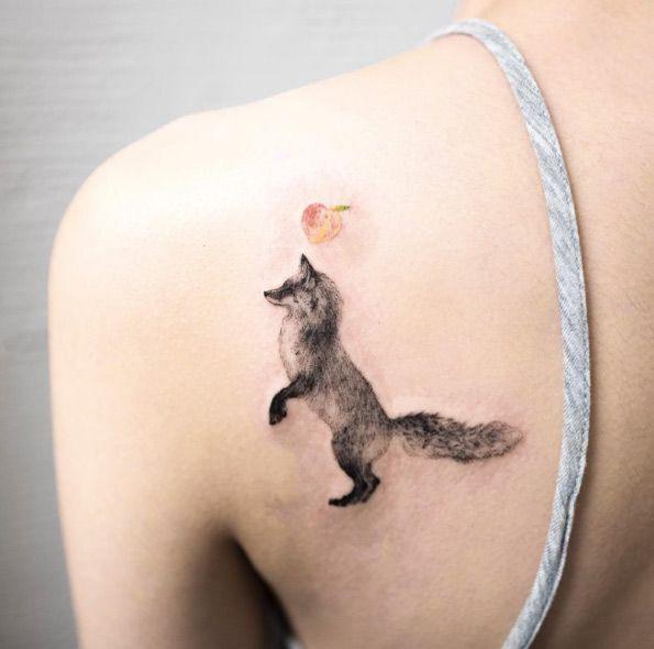 Black Ink Fox Tattoo On Girl Left Back Shoulder By Hongdam Jpg 595 590 Small Fox Tattoo Back Tattoo Fox Tattoo Design