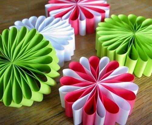 Decoraciones navide as con papel flowers ideas para and for Como hacer decoraciones navidenas