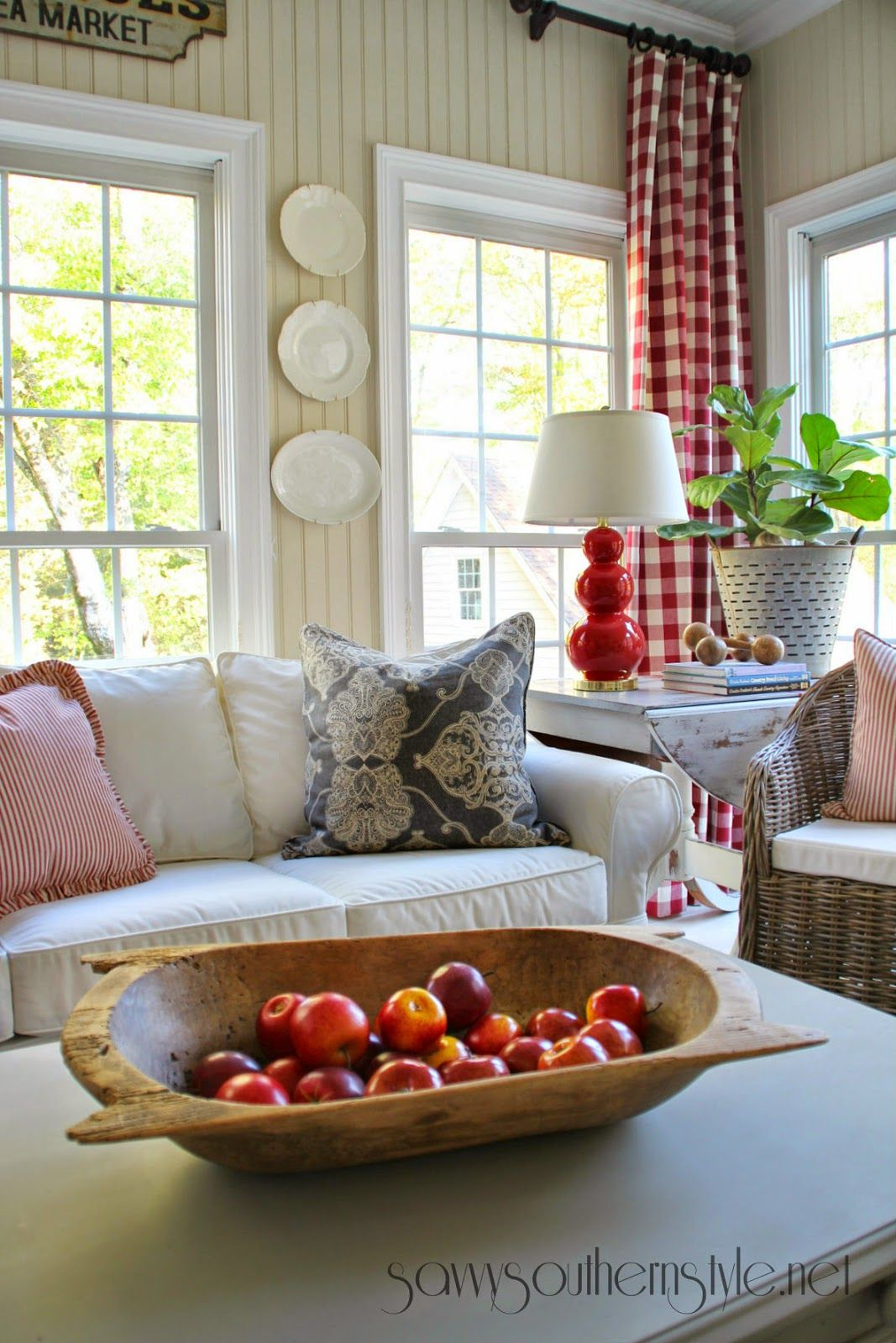 Savvy Southern Style: Decorating With Red | salon | Pinterest ...