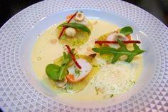 Cuisine en folie: Ravioles de pommes de terre aux crevettes, lait de poule parfumé aux noisettes d'Eric Guérin