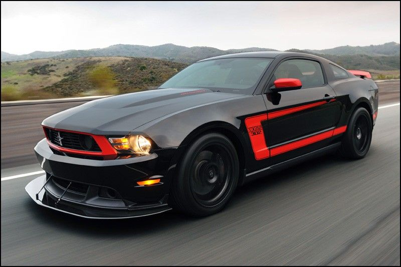 Hennessey Hpe700 Boss 302 Mustang Rips The Smile Off Shelby Gt500 With 700 Hp At 7 000 Rpm Mustang Ford Mustang Boss Ford Mustang