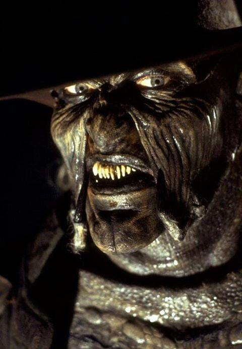 Jeepers Creepers My Favorite Movie Of All Time J C Loves This Movie Eskiz Serialy