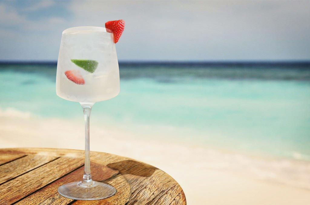 Cruzan Summer Sway Ingredients: 1 1/2 parts Cruzan® Peach Rum 2 1/2 parts Sparkling Wine 2 1/2 parts Soda Water 1 Lime Wedge 1 Strawberry Method: Squeeze Lime Wedge into a wine glass and drop in along with a sliced Strawberry. Add remaining ingredients and stir. Fill with ice.
