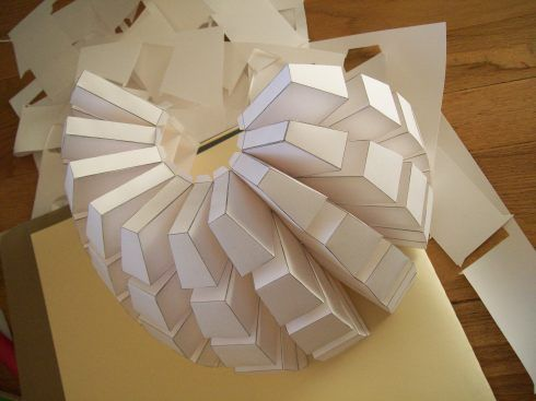 Google Image Result for http://papersculpture.files.wordpress.com/2009/10/100_1166.jpg%3Fw%3D490