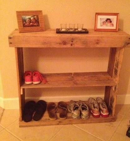 pallet table shoe rack for the front door pallet ideas. Black Bedroom Furniture Sets. Home Design Ideas