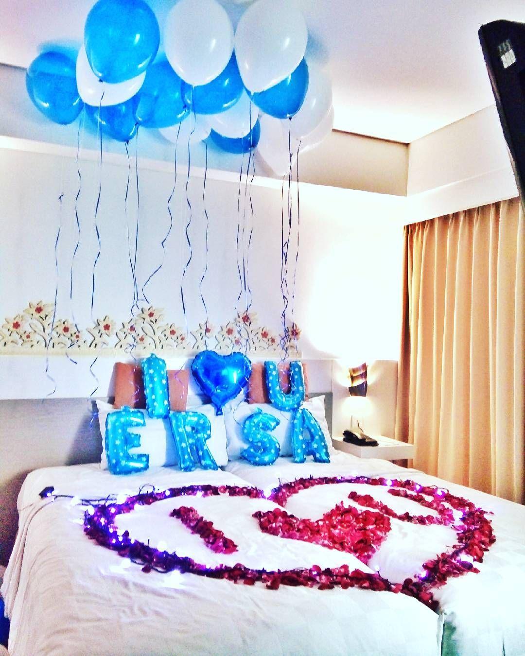 dekorasi ulang tahun di kamar hotel surprise untuk pacar dengan balon