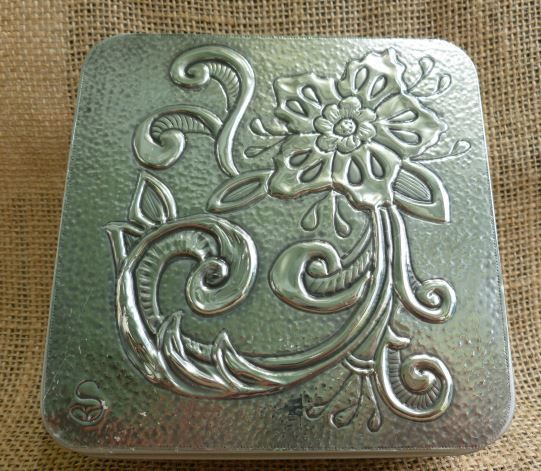 Vintage Flower Tin. Hand crafted by Caroliine @ Pewter Concepts