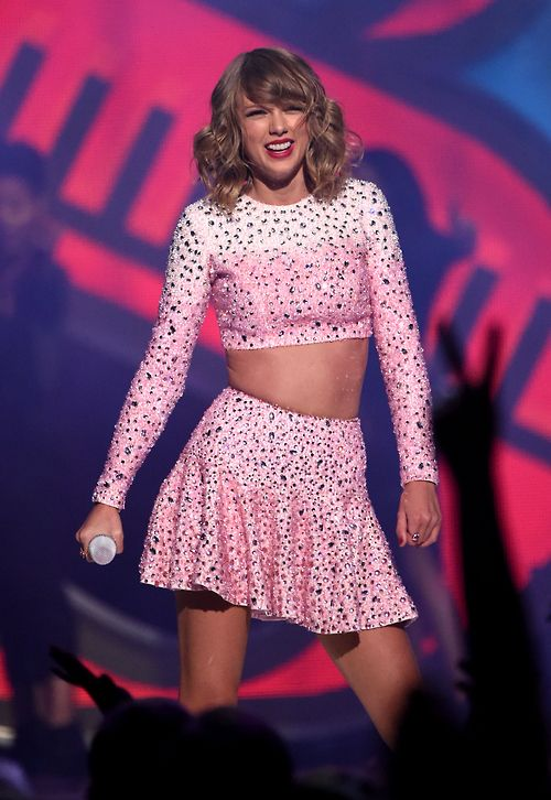 Taylor Swift Photos Photos 2014 Iheartradio Music Festival Night 1 Show Taylor Swift Hot Taylor Swift Pictures Taylor Swift Red