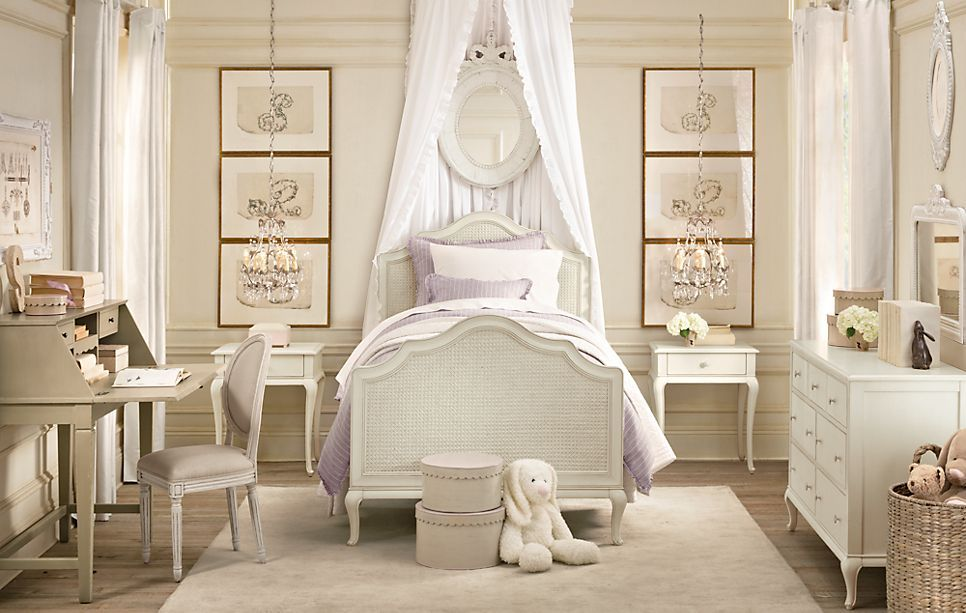Little Girl s bedroom Antique white Colonial Furniture with mauve accents. Little Girl s bedroom Antique white Colonial Furniture with mauve