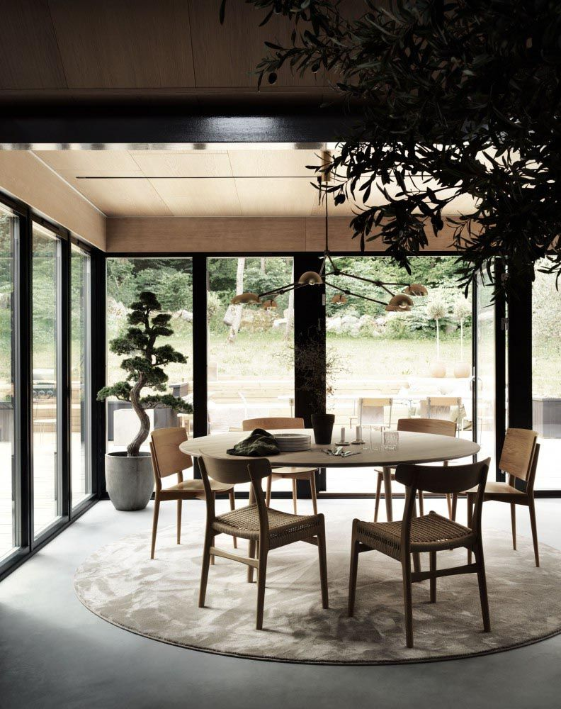 A Harmonious Look And Feel For This Swedish Entrepreneur S Dream Home Nordic Design Beautiful Dining Rooms Minimalist Dining Room Decor Minimalist Dining Room