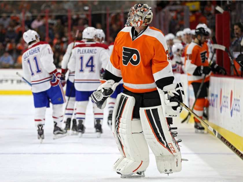 Feb.02 2016 - Mtl 2 - Phi.4 - Goalie Steve Mason #35 of the Philadelphia Flyers looks on after allowing a goal to Andrei Markov #79 of the Montreal Canadiens during the first period at Wells Fargo Center on February 2, 2016 in Philadelphia, Pennsylvania.