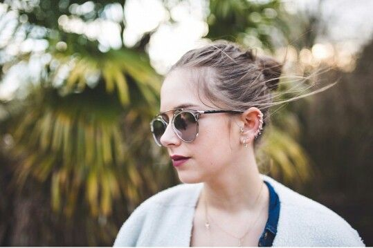 Sunbeamsjess ...sunglasses and piercings