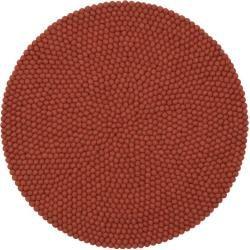Photo of Handgefertigter Teppich Lora aus Schaffell in Rostrot myfeltmyfelt