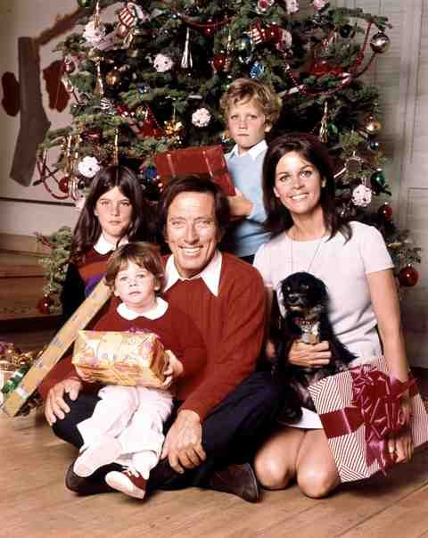 Andy Williams Christmas.Andy Williams Family Christmas Wife Claudine Longet And