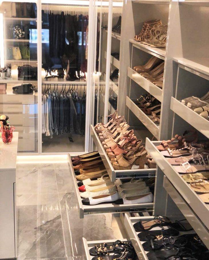 Closet feminino: 60 propostas para organizar as roupas com estilo