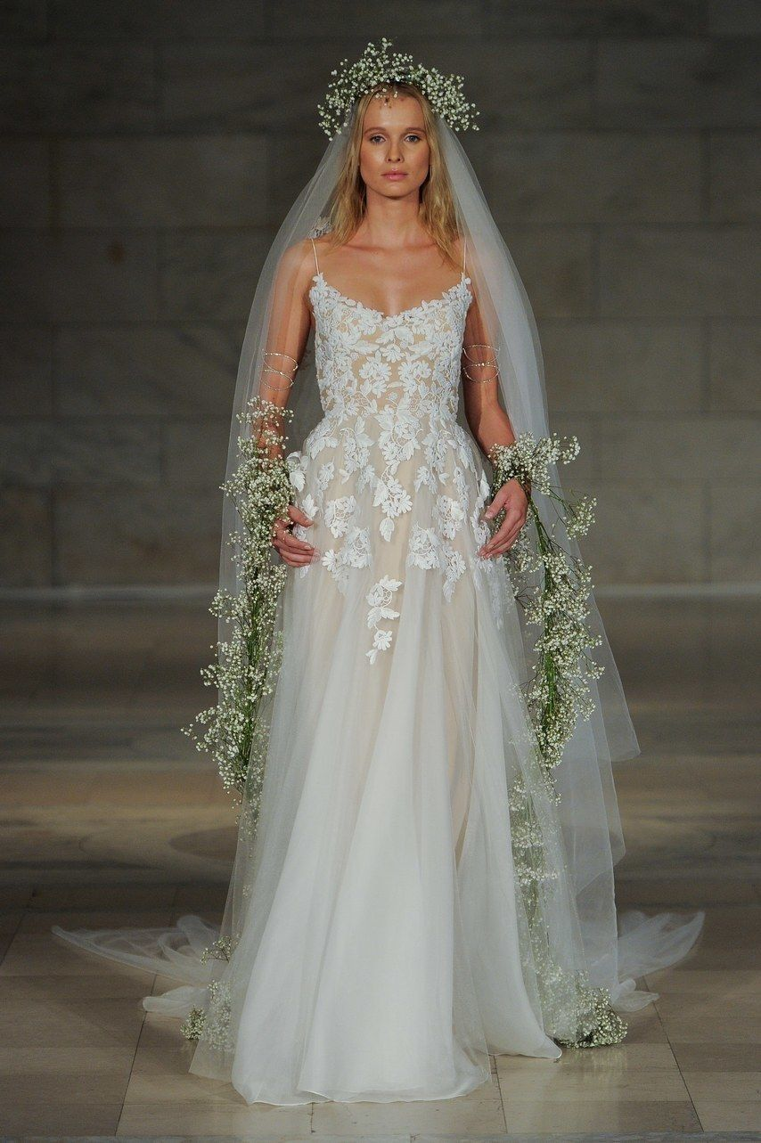 20 Champagne Wedding Dresses for the Bride Who Wants Subtle Color ...