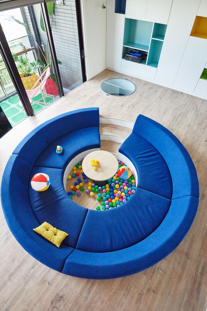 maison lego salon- canapé rond et piscine à boules avec rangement ...