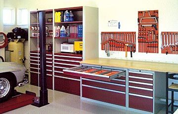 Learn How To Begin Designing Your Dream Home Garage With Advice And Tips  From A Top Amateur Racer And Garage Owner.