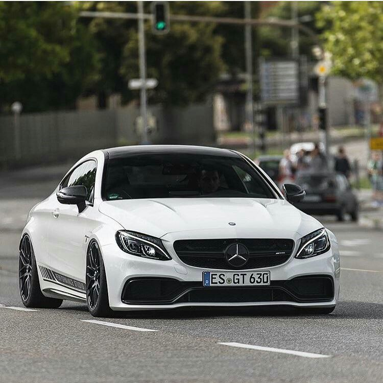 Mercedes Amg Motor Nedir: Mercedes C63 AMG Coupe Edition 1