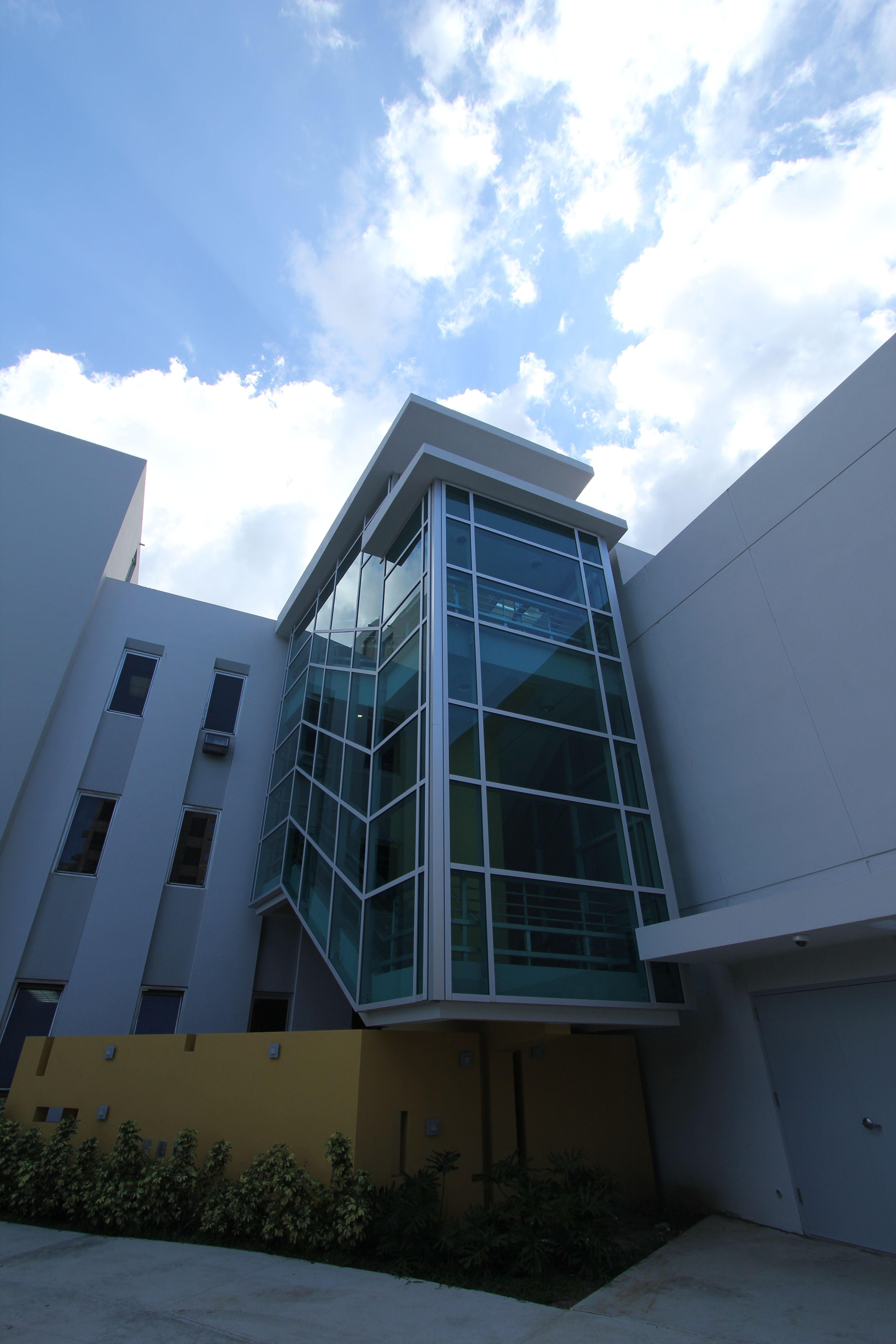 Exterior By Sagar Morkhade Vdraw Architecture 8793196382: Pin By CMA Architects & Engineers LLC On Pediatric Hospital
