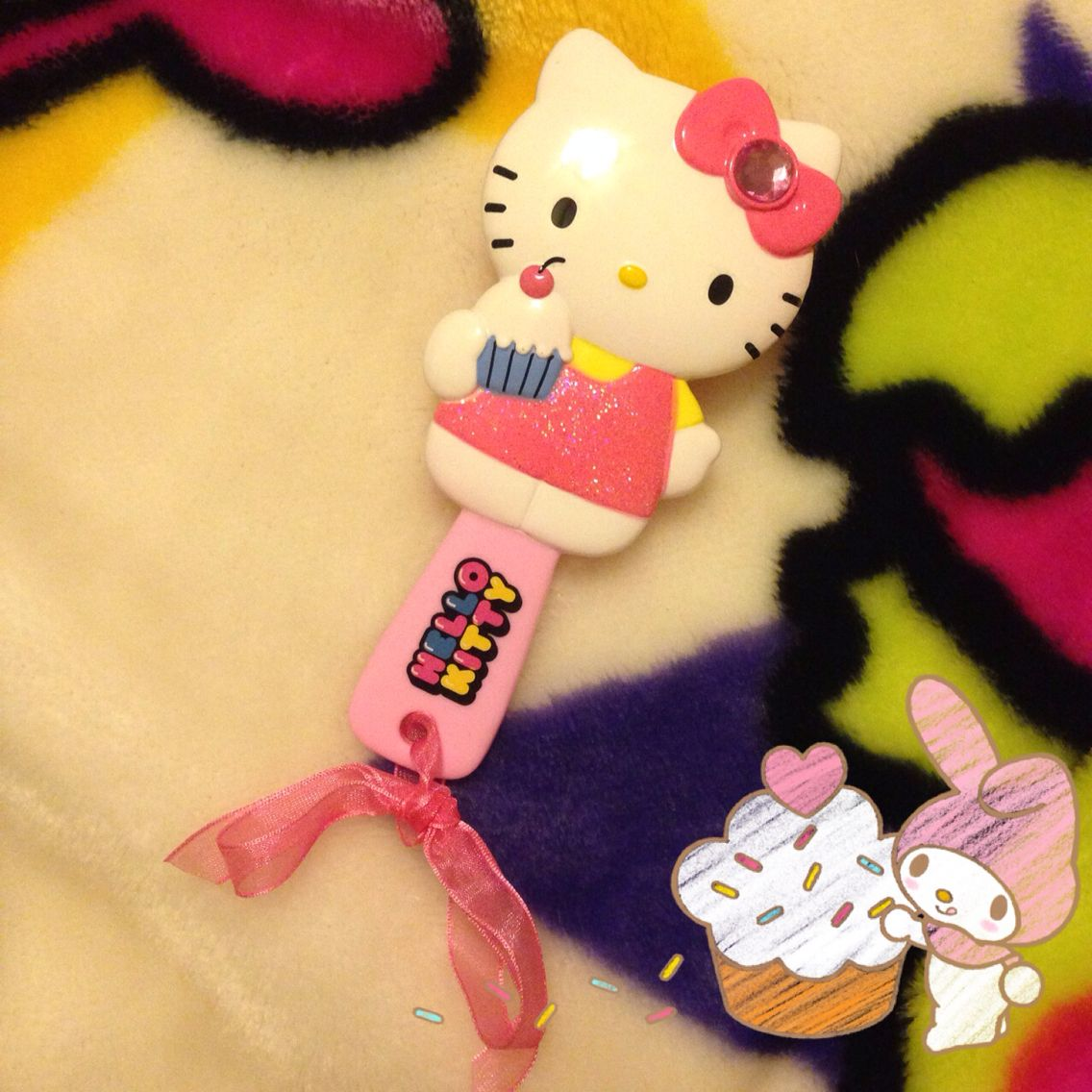 How cute is this H&M Cupcake Hello Kitty brush